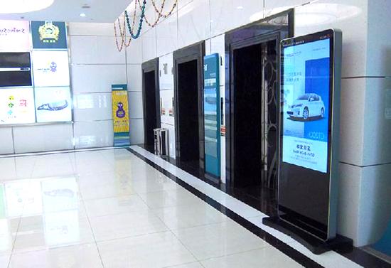 深圳赛格数码广场--电梯广告机