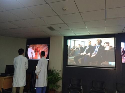 海南医学院第一附属医院与熙雅盟达成86寸会议一体机定制采购合作